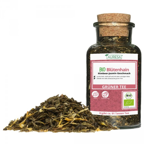 Mélange de thé vert Blütenhain bio dans un verre