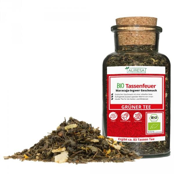 Thé vert en vrac Tassenfeuer bio dans un verre