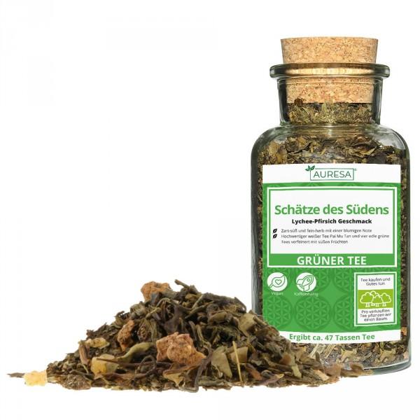 Mélange de thé vert en vrac Schätze des Südens dans un verre